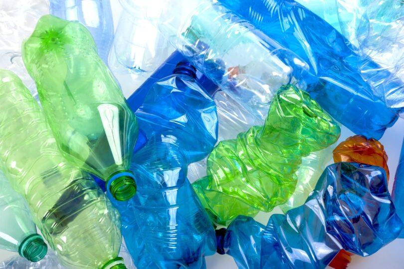 As contas do plástico