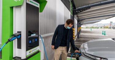 A promoção da mobilidade elétrica em Portugal é o objetivo da nova parceria entre a retalhista Mercadona e a empresa de energia Iberdrola.