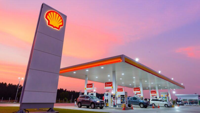 Um tribunal holandês condenou a Royal Dutch Shell a cortar as suas emissões de carbono em 45% até 2030, quando comparado com 2019.