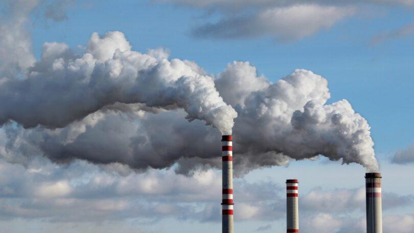 O custo das licenças de carbono na Europa ultrapassou os 50 euros por tonelada pela primeira vez, num ano em que já disparou mais de 50%.