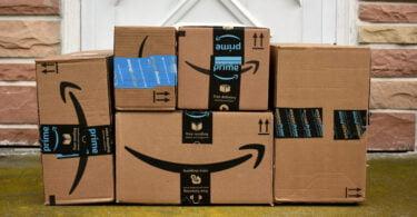 A Amazon afirmou ter conseguido reduzir, desde 2015, 33% das embalagens envolvidas nos envios através das suas plataformas.