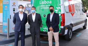 A DPD Portugal, em cooperação com a Mercedes-Benz Vans e a Repsol , quer reduzir a sua pegada carbónica de entregas em Lisboa.