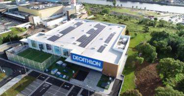 A Decathlon Portugal anunciou que transitou para um consumo a 100% de energia renovável nas suas unidades comerciais e logísticas.