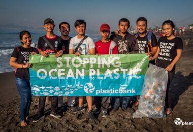 A METRO e a Plastic Bank criam iniciativa e querem recolher mais de 65 milhões de garrafas de plástico nos primeiros 12 meses da parceria.