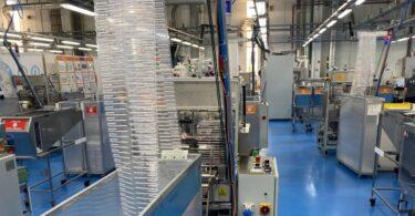 A Tetra Pak anunciou o fim da produção de palhinhas de plástico na fábrica da Tetra Pak Tubex Portugal, passando a produzir as de papel.