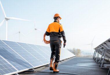 Oito milhões de trabalhos podem ser criados até 2050 se as metas do Acordo de Paris foram cumpridas, devido à energia solar e eólica.