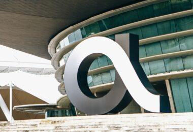 A operadora de telecomunicações Altice Portugal comprometeu-se a alcançar as zero emissões líquidas até 2050, alinhado com o Acordo de Paris.