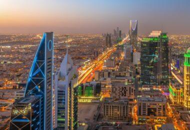 Arábia Saudita à noite